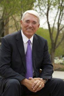 APi Group Chairman, Lee R. Anderson Sr. at the University of St. Thomas - St. Paul, Minn.